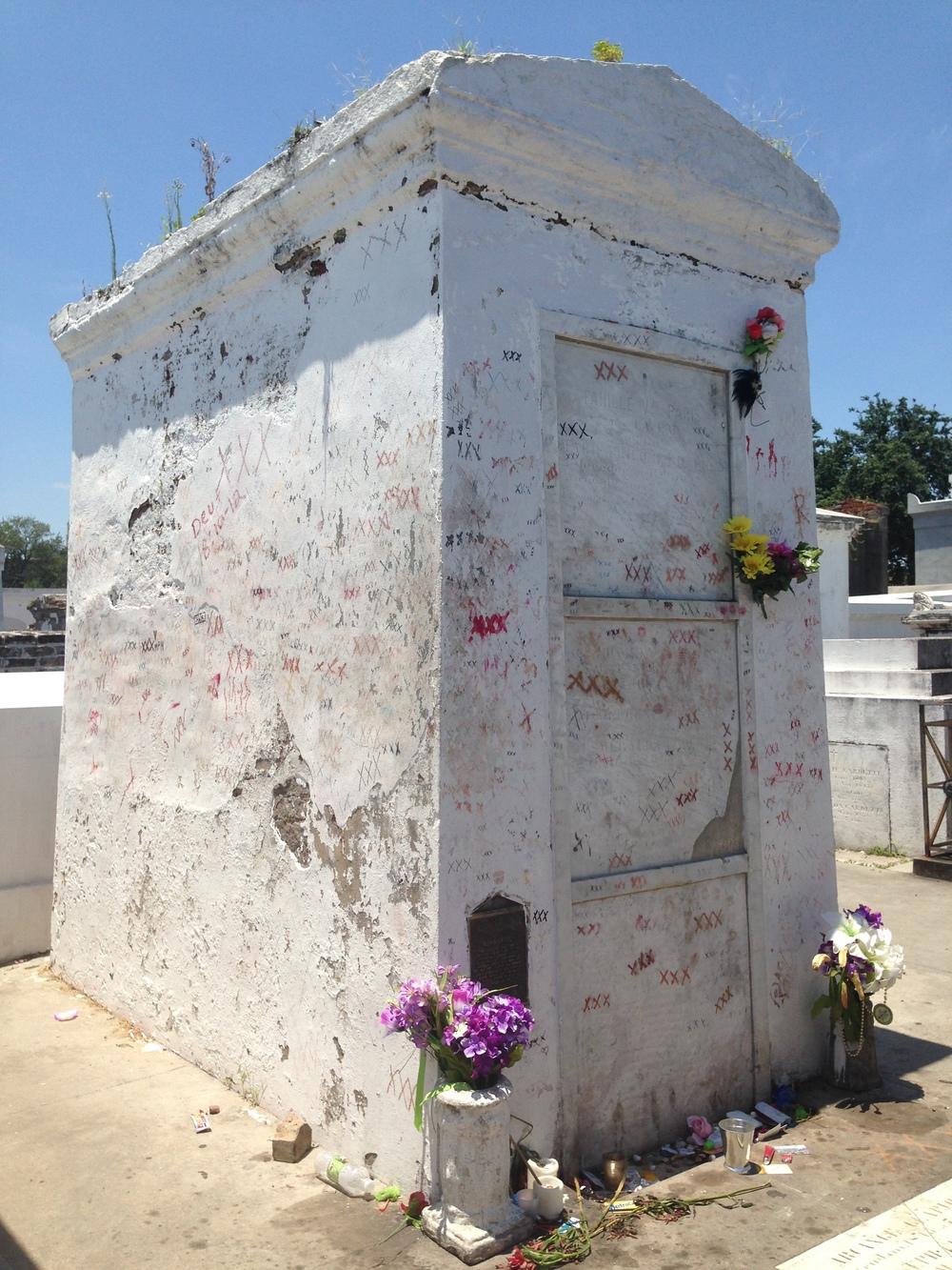 Marie Laveau tomb prior to renovation in Nov 2014