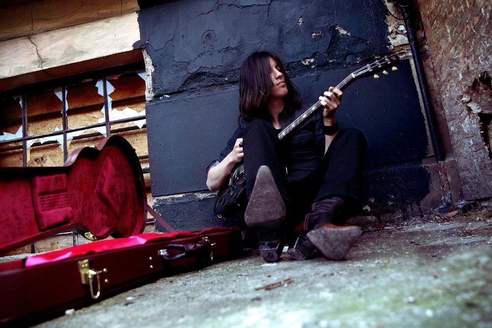 Genji Kuno Singer