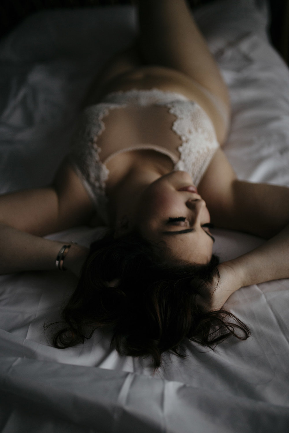 How to be confident in your body with a boudoir session
