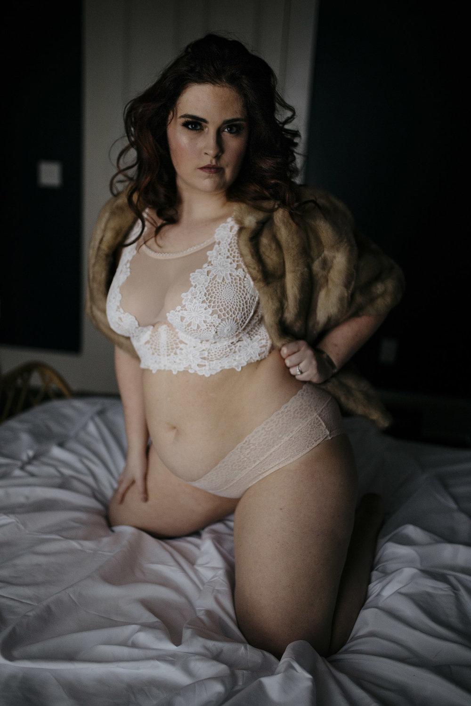 build body positivity using a boudoir session