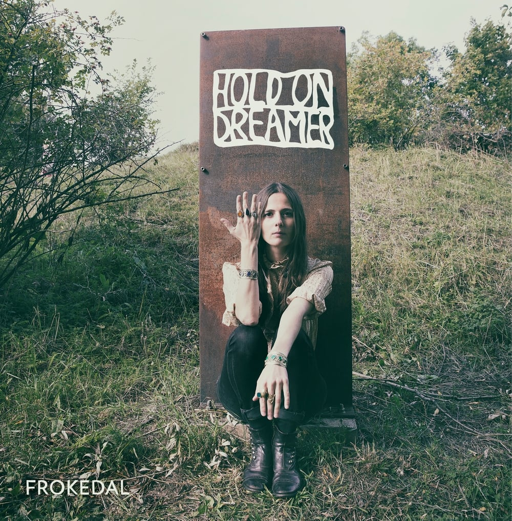 Frontcover Frokedal - Hold On Dreamer.jpg