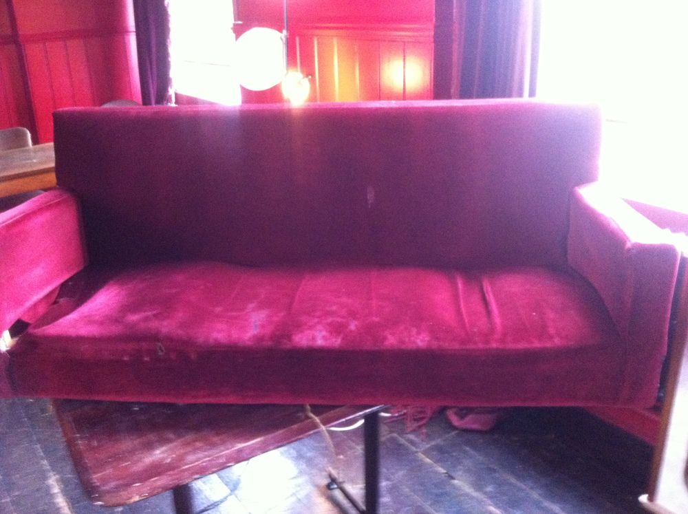 The banquettes in the East Dulwich Tavern have long been needing some TLC!  Here's the before pictures...