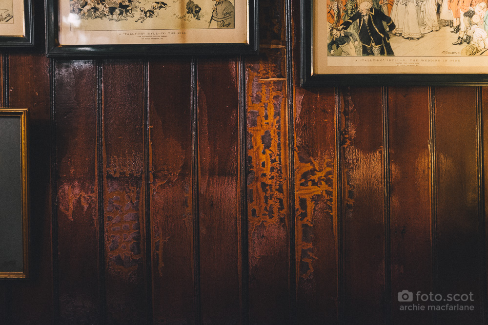 Pub-Wooden-Wall