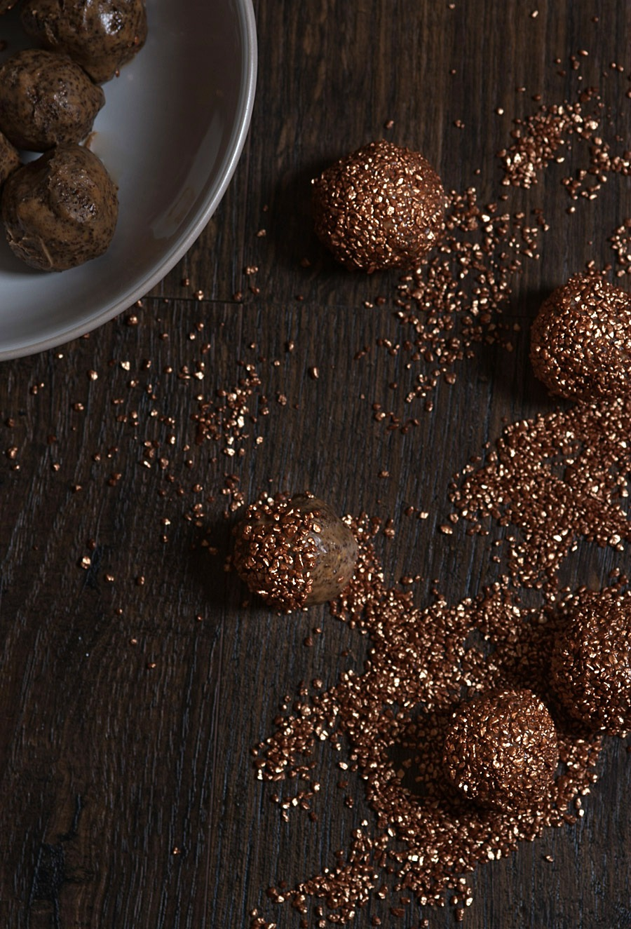Sparkling chocolate and almond truffles (GF) - Lau Sunday cooks