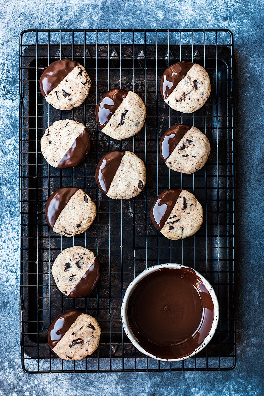 Cassava chocolate cookies by Laura Domingo