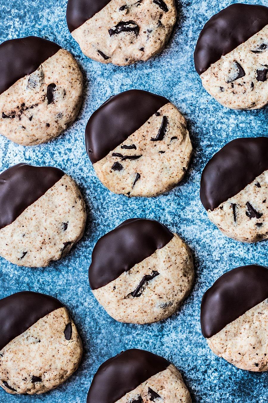 Cassava flour chocolate cookies by Laura Domingo.jpg