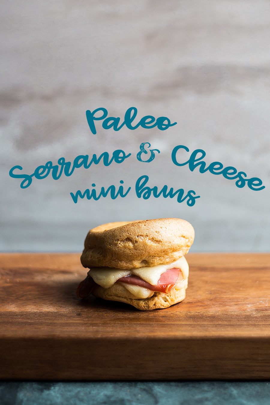 Serrano and cheese mini buns by Laura Domingo (Paleo + Gluten free)