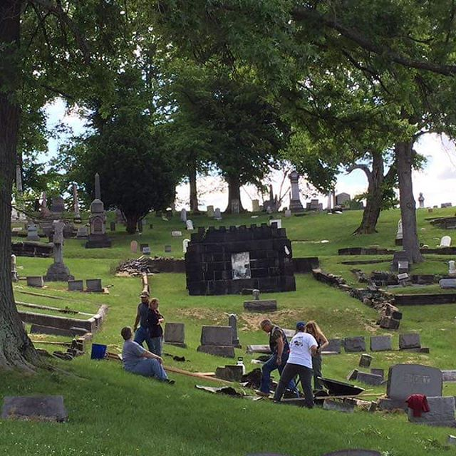Mt. Wood Cemetery saw some hard work from Belmont's BPR students on this #whgwednesday! #wheelove #wheelingfeeling #deserve2preserve #wheelingwv #gotowv #wyp