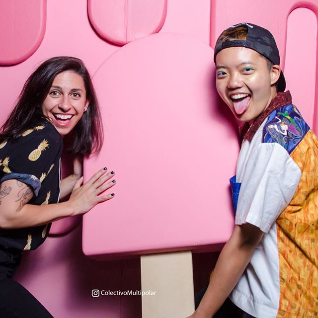 Did I make the propsicle too big? Yes. BUT better too big than too small ya? A big thanks to @swoonchicago for letting me be a part of their pride festivities with this ice cream photobooth! And to @colectivomultipolar for taking such sweet pics!#pride #pridemonth #photobooth #popsicle #icecream #design #designer