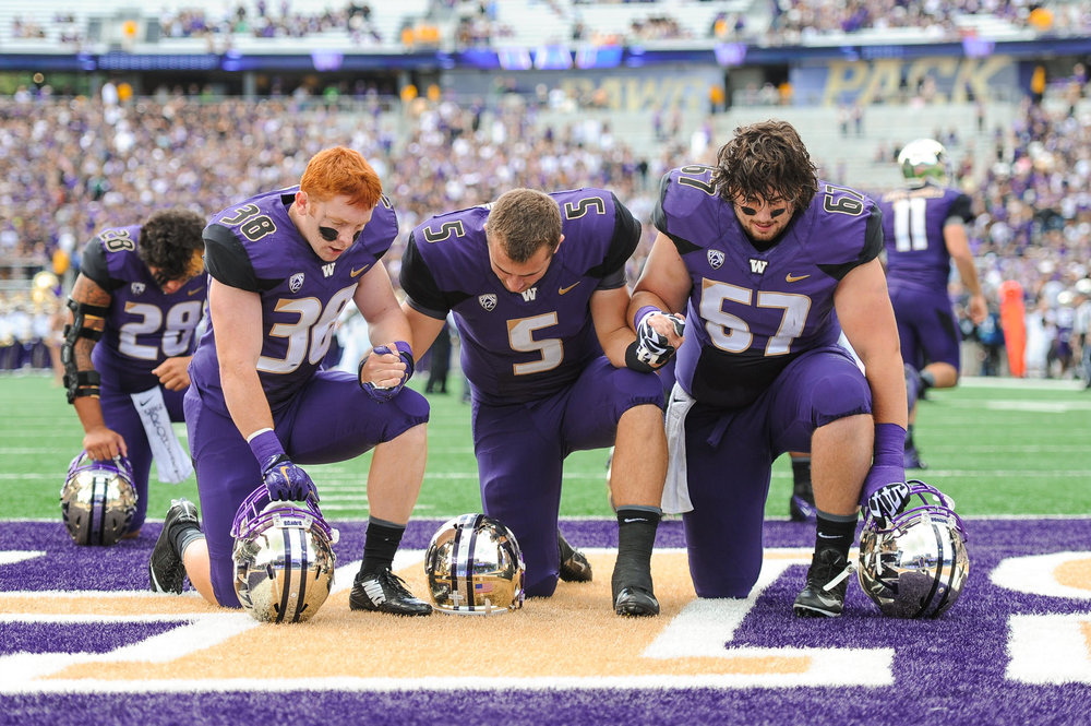 University of Washington Huskies Football Defensive Back Hayden Schuh, Quarterback Jeff Lindquist, and Lineman Mike Kneip Prayer