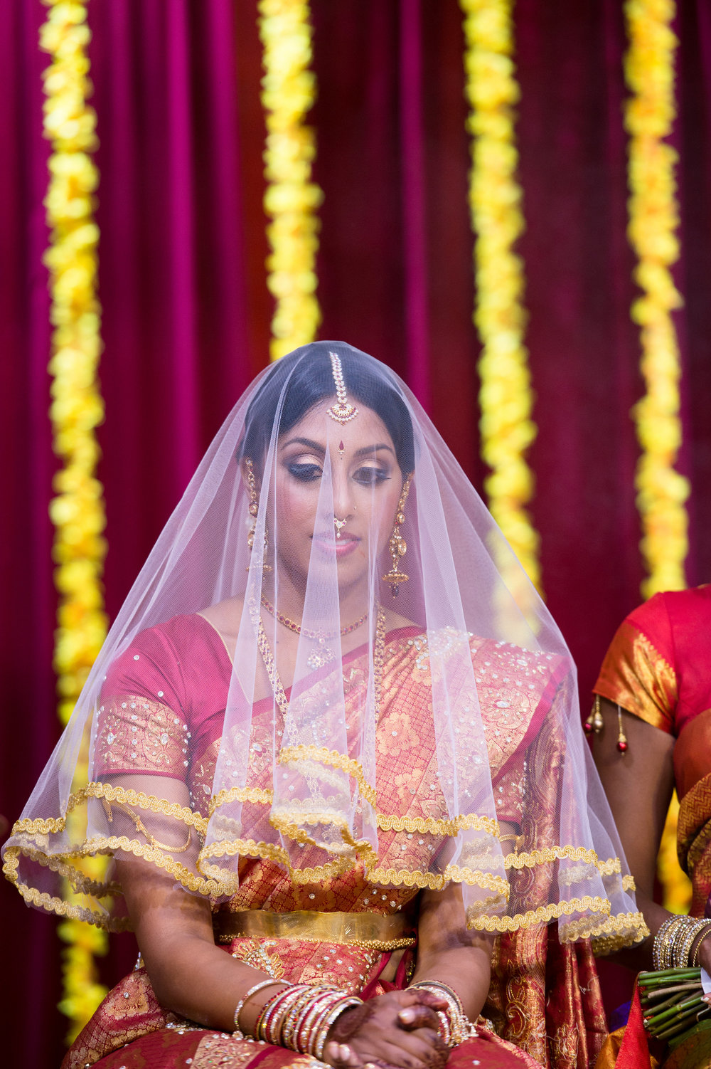 1-Sri Lankan Wedding Photography-Shiva Vishnu Temple038.jpg