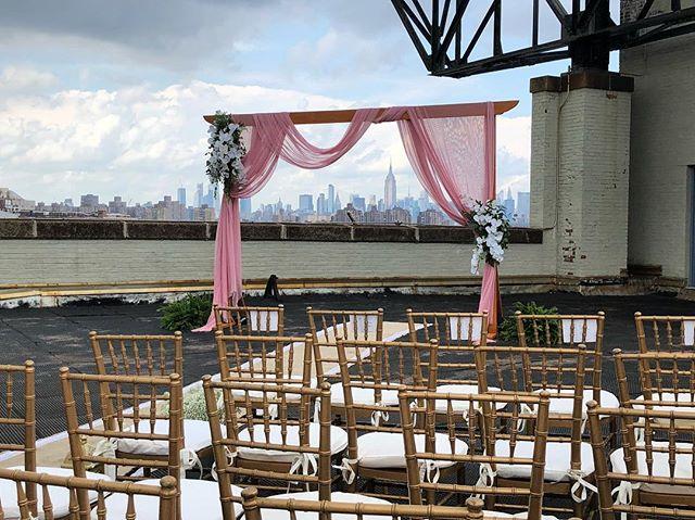 Another wedding. Beautiful day fir a few hours.... #NewYorkWedding #NYCwedding #BrookkynWedding #outsidewedding