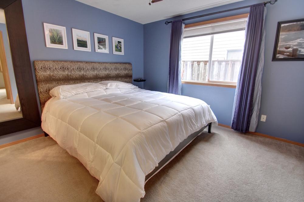 master-bed3.jpg
