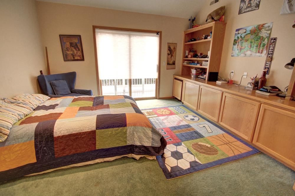 upstairs-second-bedroom3.jpg