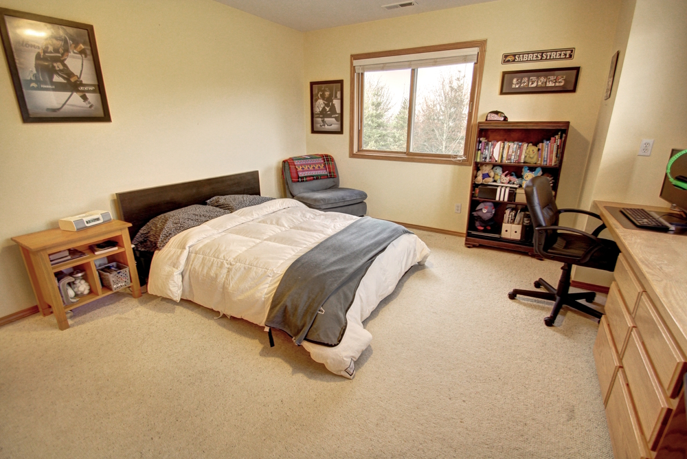 upstairs-bedroom2.jpg