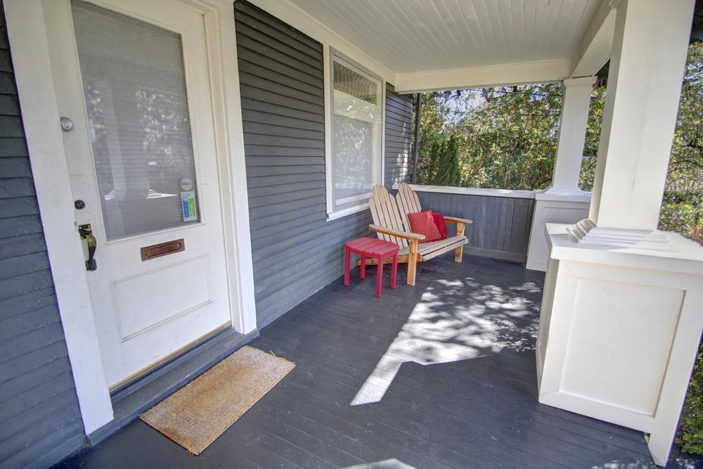 porch4.jpg