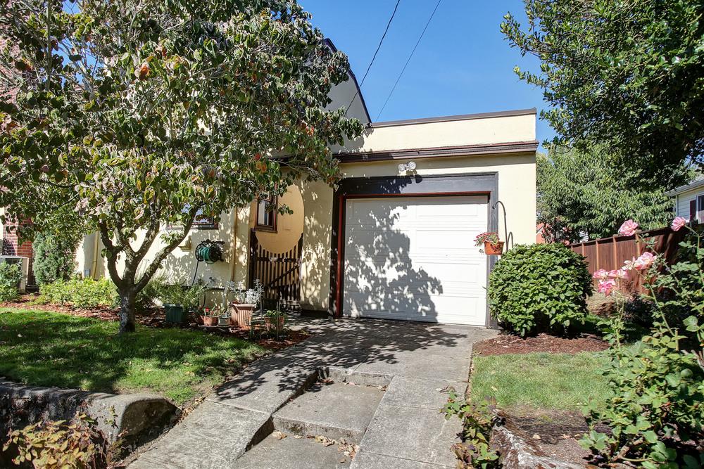 6735 NE Sacramento St - Portland- 39.jpg