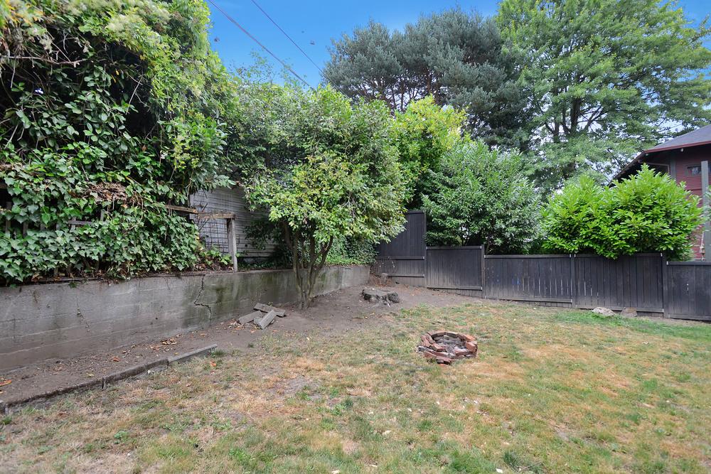3035 NE Weidler St - Portland- 32.jpg