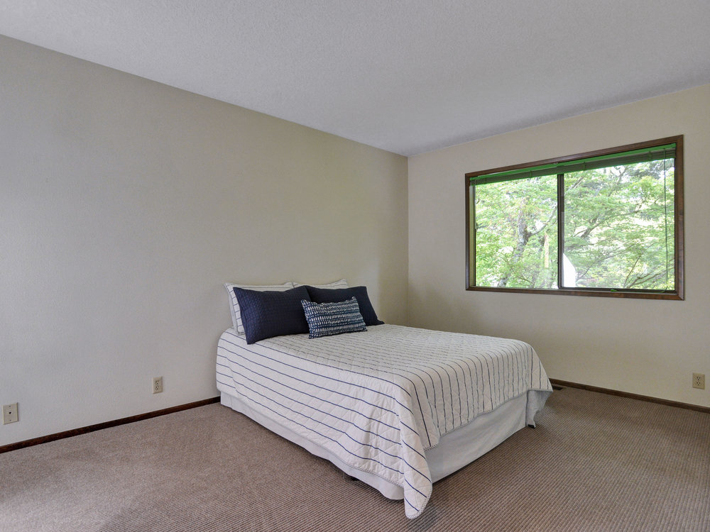 10390 SW View Terrace - Tigard- 29.jpg