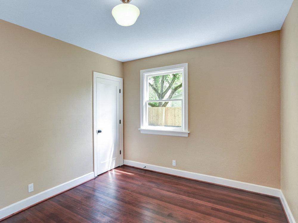1732 NE Saratoga St - Portland- 26.jpg