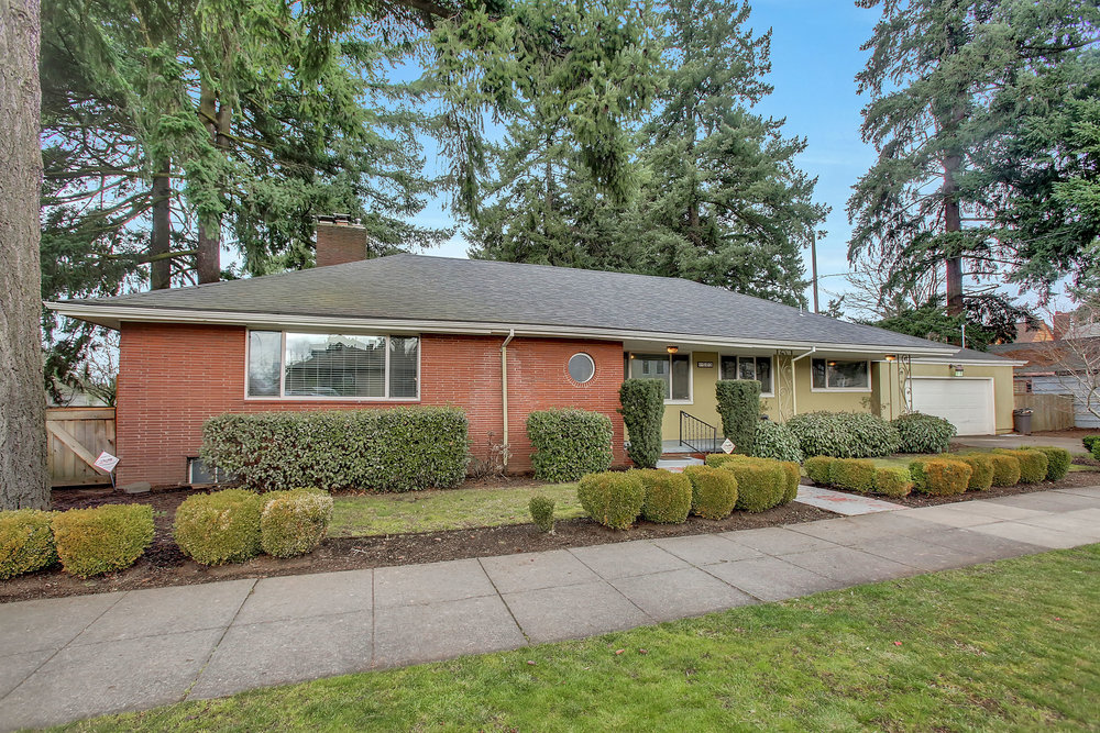 1023 NE Ainsworth St.<strong>$539,900</strong>
