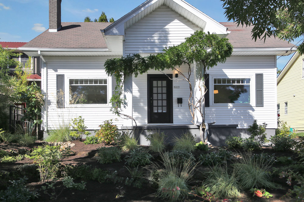 5237 NE Wistaria Dr.<strong>SOLD</strong>