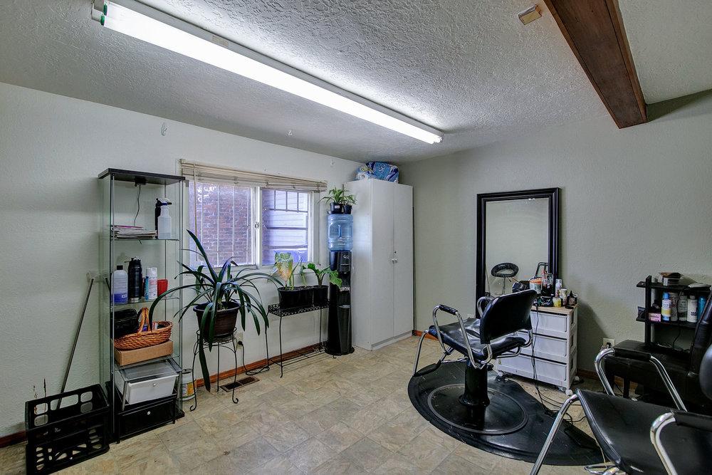 5848 NE 42nd Ave - Portland - 41.jpg