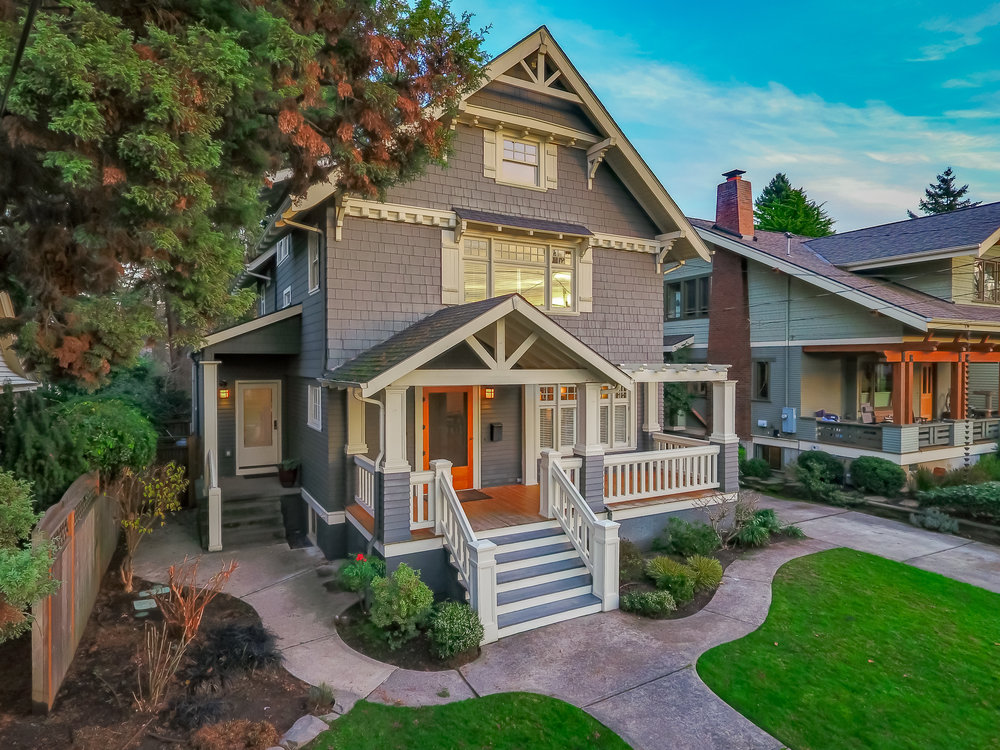 2126 NE 27th Ave<strong>$1,100,000</strong>