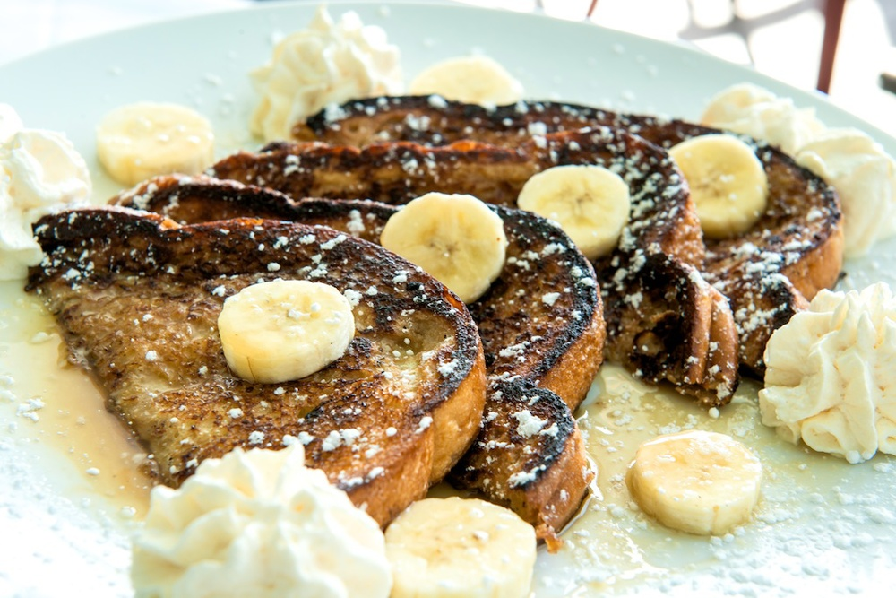Bagatelle Brunch, banana foster French toast