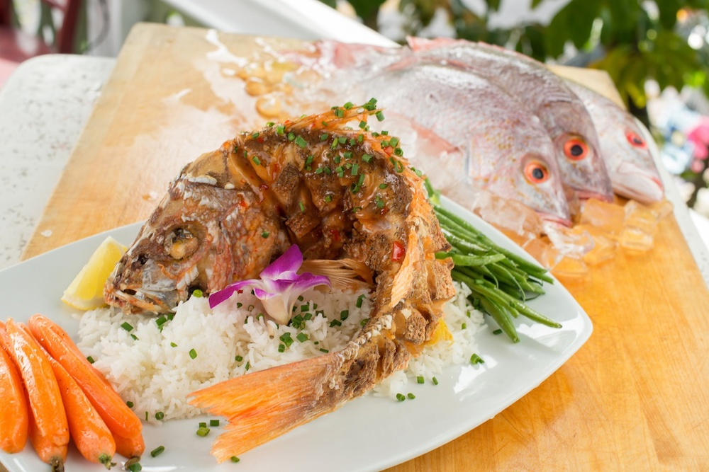 Bagatelle lunch and dinner, whole snapper fish entree