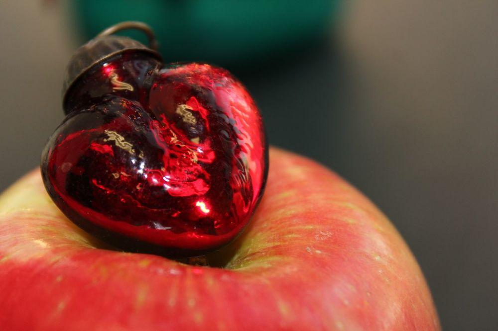 applelove.jpg