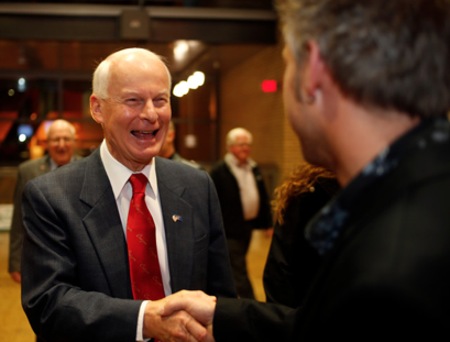 An online survey by a conservative GOP political group indicates Secretary of State Dennis Richardson is an early leader in the field of possible Republican gubernatorial candidates in 2018, but no one really can be called a frontrunner.