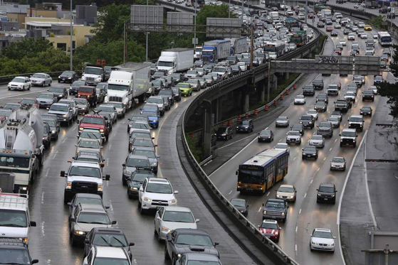 A bi-state committee assigned to look at congestion pricing to ease congestion on major Portland highways may find it tough-sledding to convince regional commuters of its value before submitting recommendations this summer.