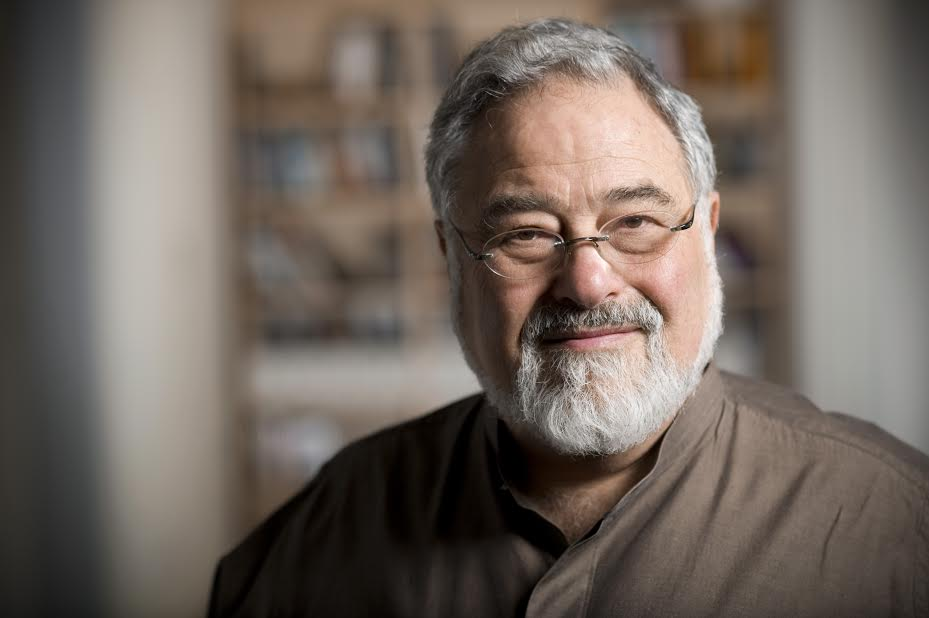 "George Lakoff is a cognitive linguist and considered an expert on how to frame issues to avoid being constantly on the defensive. A political progressive, Lakoff's book, "" Don't Think of an Elephant! "" describes how political conservatives have taken to heart the need to do the homework necessary to create persuasive issue frames."