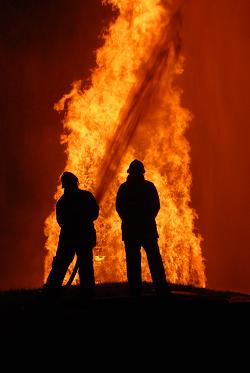 fireman fighting a blaze WEBSITE