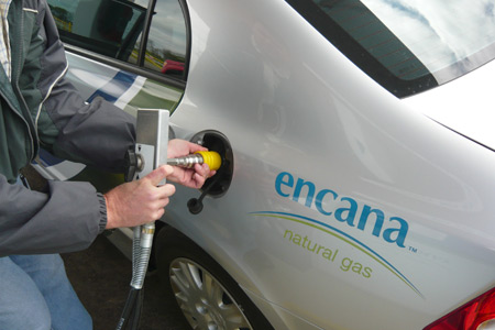 __downloads_photos_by-subject_natural-gas-uses_Compressed-natural-gas-vehicle-being-filled