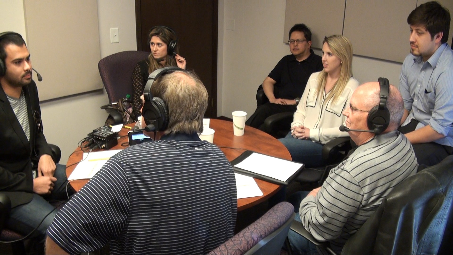 Institute for International Business students in the ICOSA Radio Studio