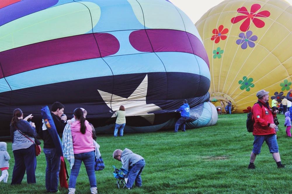 inflating%2Bhot%2Bair%2Bballoons.jpg