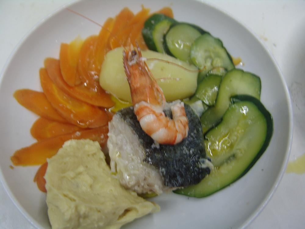 AÏOLI FAÇON LE SAINT DIDIER    légumes cuit vapeur, morue dessalée poche, crevette de Madagascar décortiquée et sauce aïoli maison