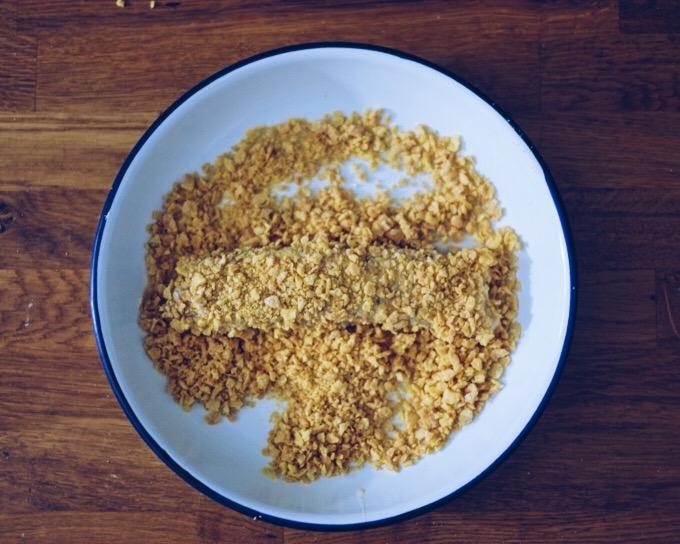 Recipe: Crunchy Cornflake Crumb Fish Fingers| millycundall.com