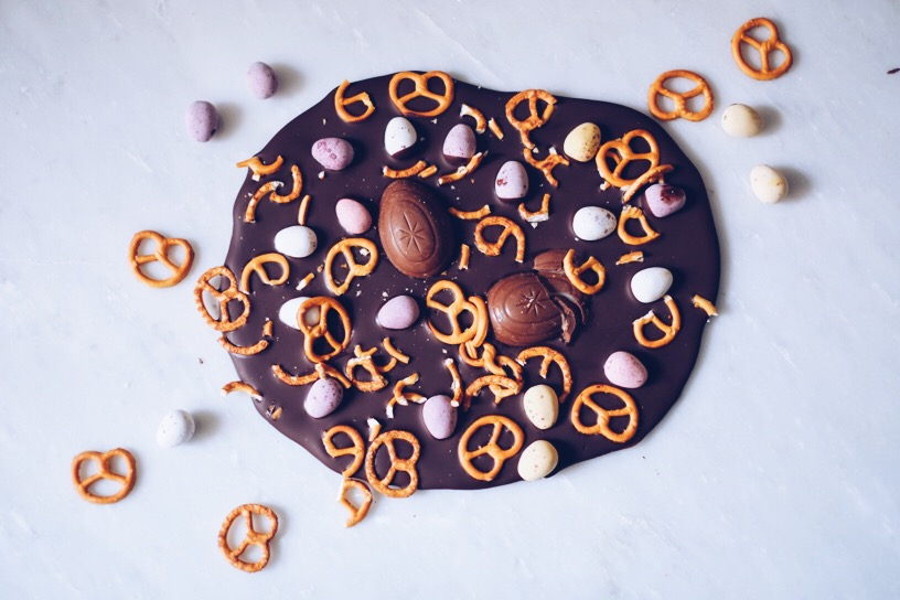 Recipe: Eggcellent Easter Chocolate Bark | millycundall.com