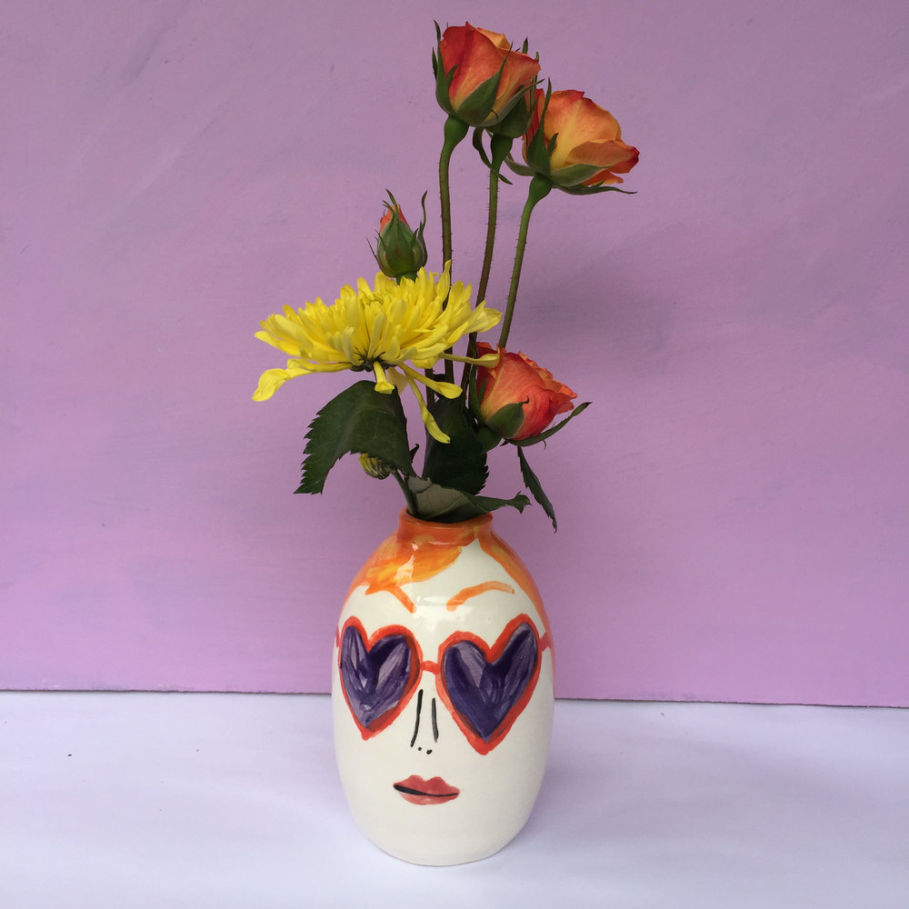heart sunnies ceramic vase