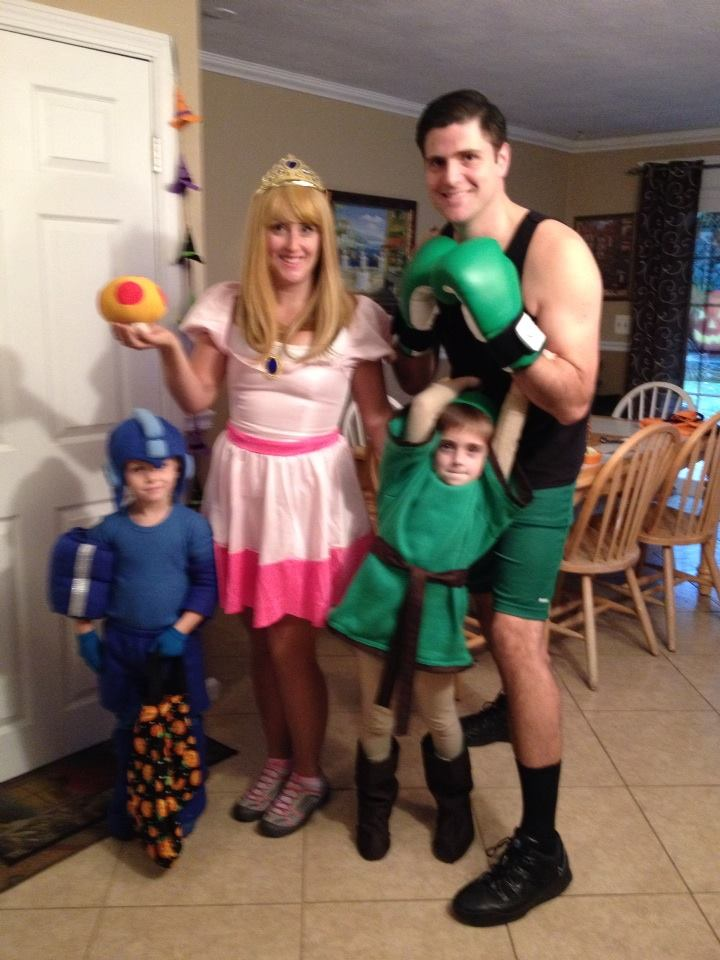 Halloween - Smash Family.jpg