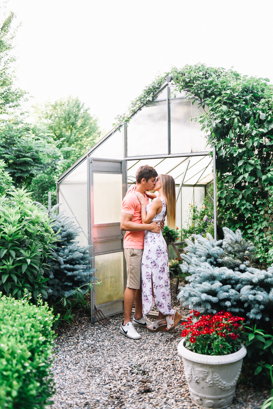 Southern_Exposure_Herb_Farm_Engagement_Photos-16.jpg
