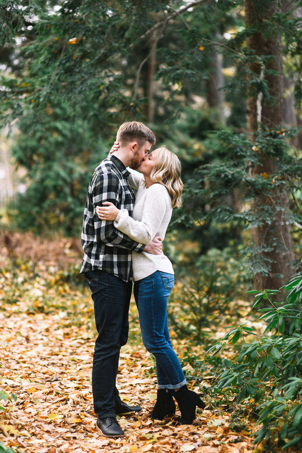 East_Lansing_Engagement_Photos-21.jpg
