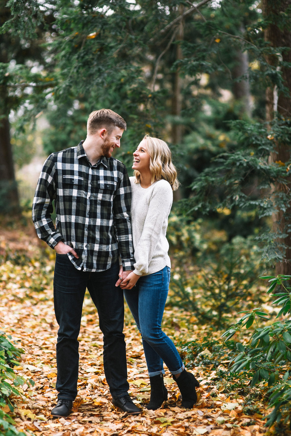 East_Lansing_Engagement_Photos-30.jpg