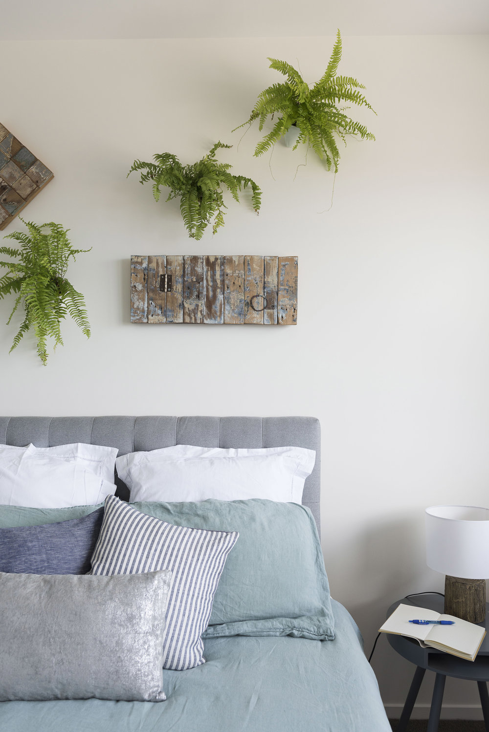 Pearson and Projects Wall Plants Bedroom.jpg