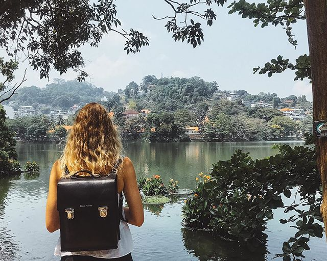Catching a moment of calm by Kandy Lake, away from the chaos of the city 🦆