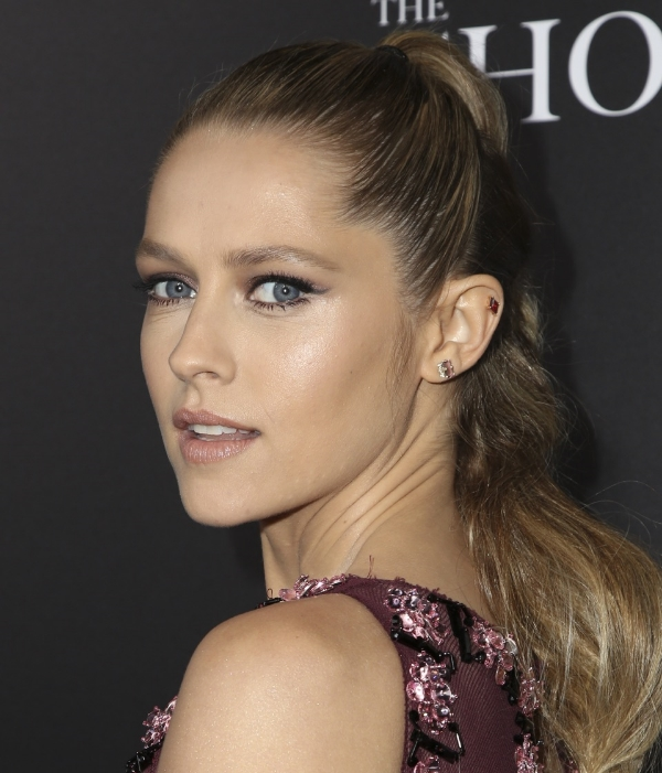 Teresa Palmer in Jane Taylor Jewelry red garnet kite stud earring at the premier of The Choice