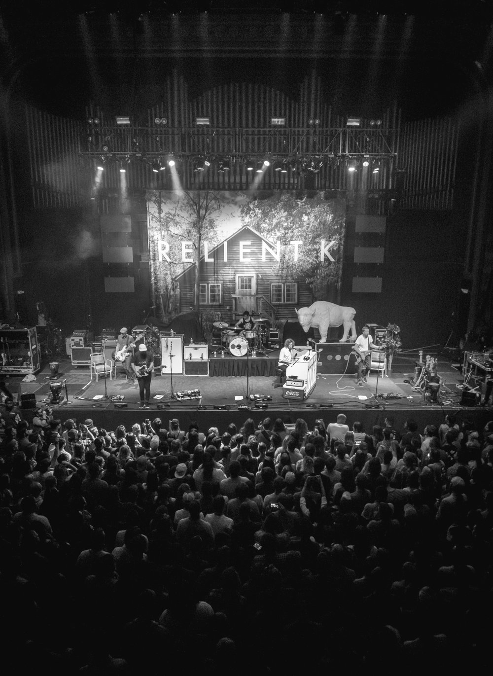 R E L I E N T K  – Tour photography and set design for the Looking for America Tour with Switchfoot.